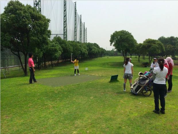 上海ゴルフ-18santa-eighteenANTA-上海レッスン-