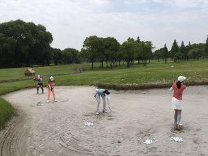ゴルフバンカー女子レディース